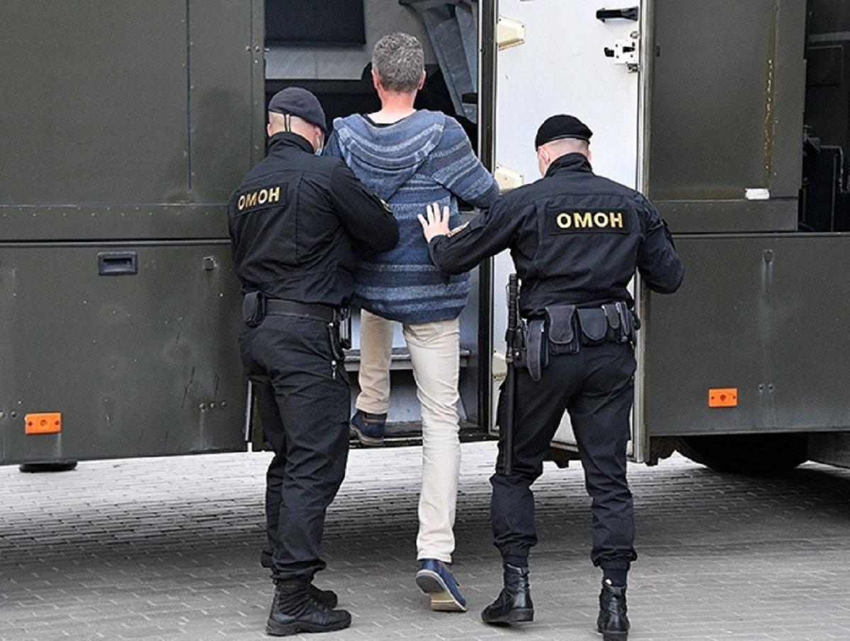 На Урале полиция и ОМОН подавили бунт в центре содержания мигрантов