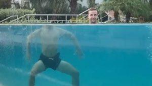 Оптическая иллюзия с обезглавленным телом набирает популярность в Сети