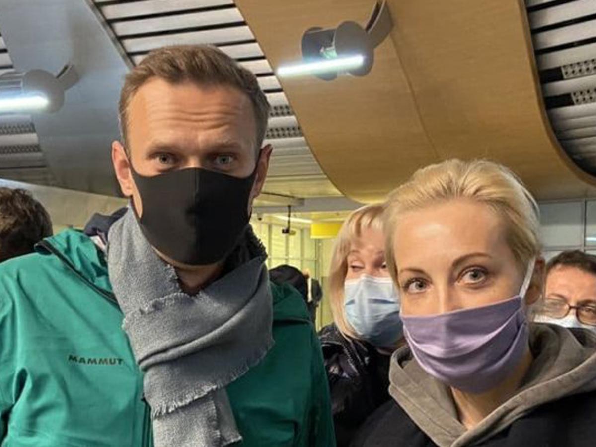 в Самаре полицейского винят в раскрытии авиаданных о перелетах возможных отравителей Навального