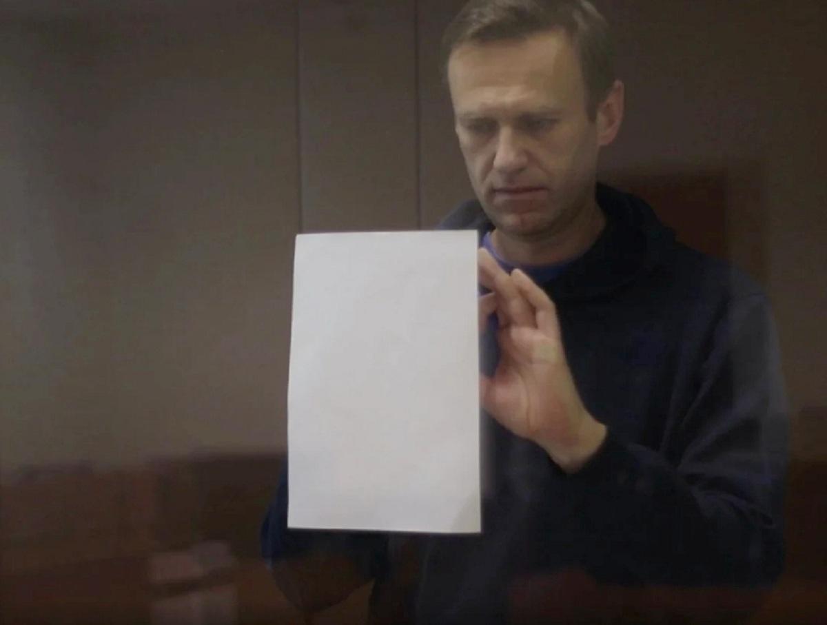 Стало известно, в какую колонию отправят «по этапу» Навального