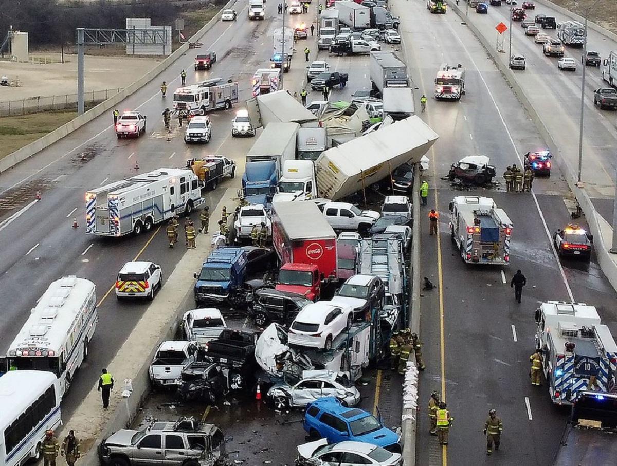 Авария в США с сотней разбитых автомобилей и 6 погибшими попала на видео