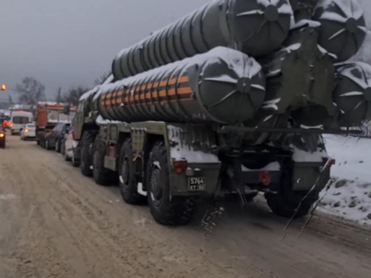 СМИ: пусковая установка С-400 попала попала в массовое ДТП в Подмосковье (ВИДЕО)