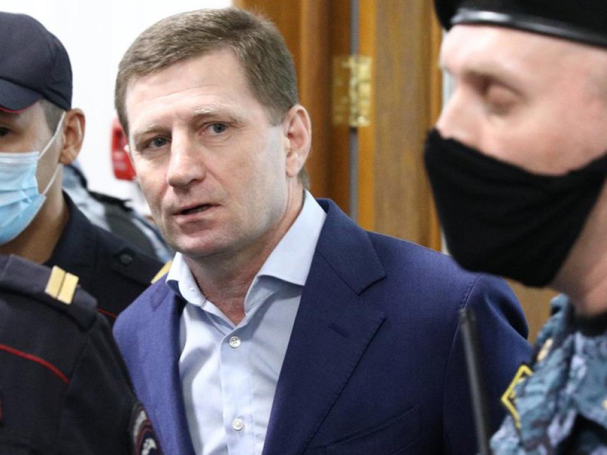 Экс-губернатору Фургалу предъявили обвинения в убийствах