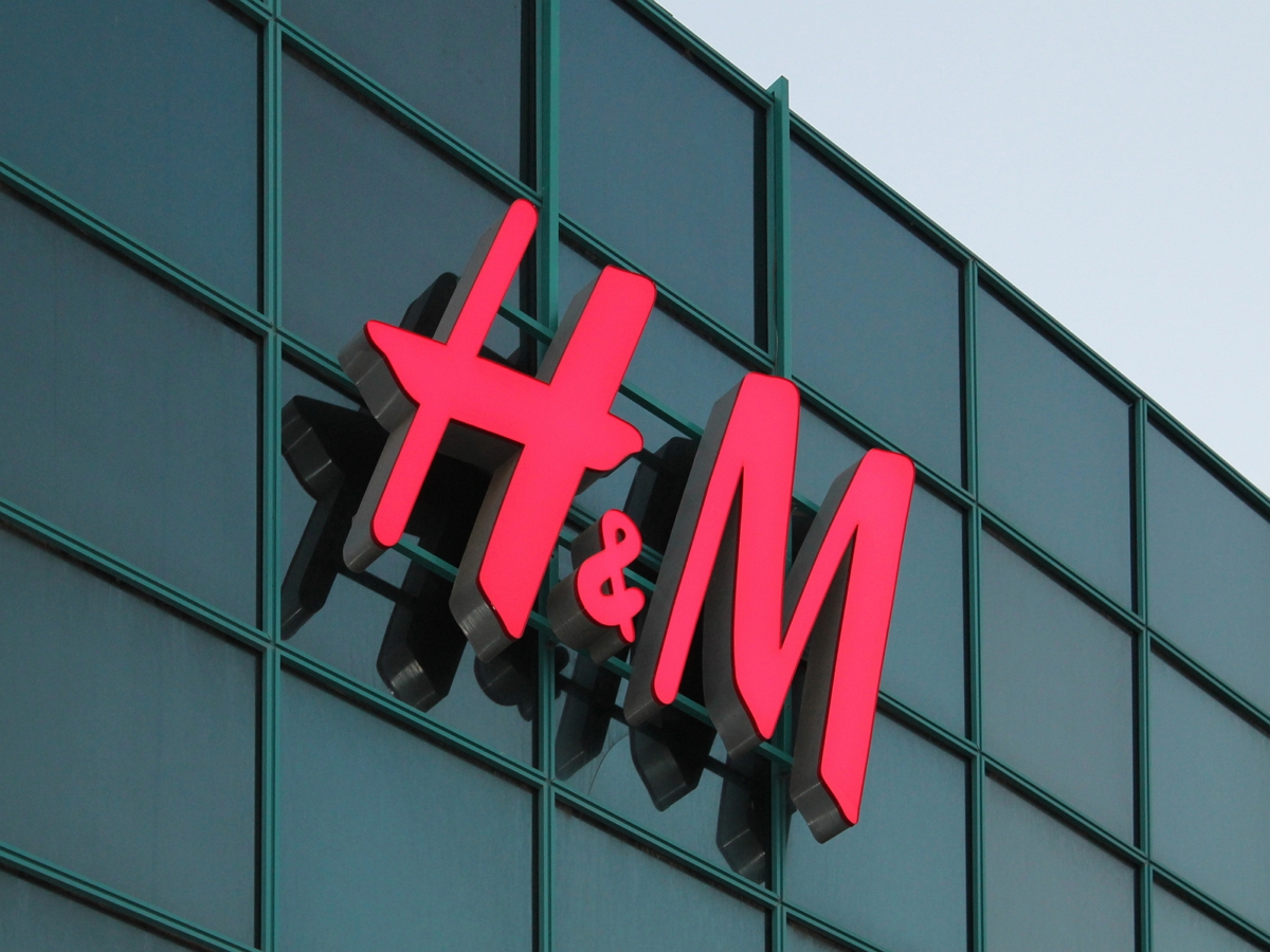 В России на подразделение H&M завели уголовное дело о неуплате пошлин