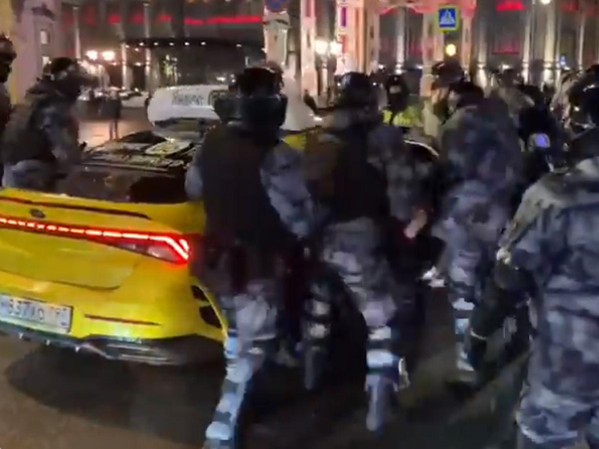 Избиения после приговора Навальному