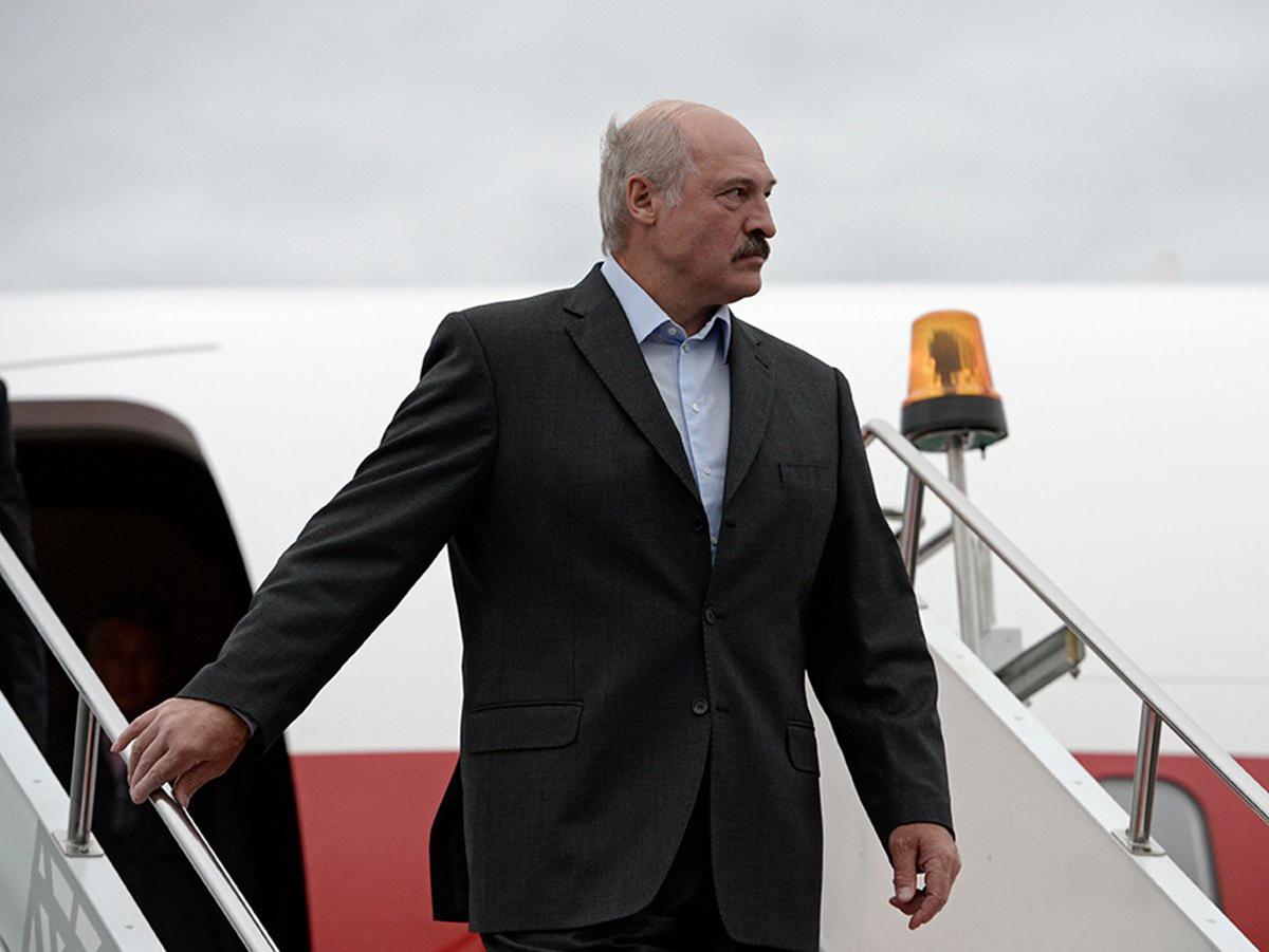 Лукашенко готовится к побегу из Белоруссии