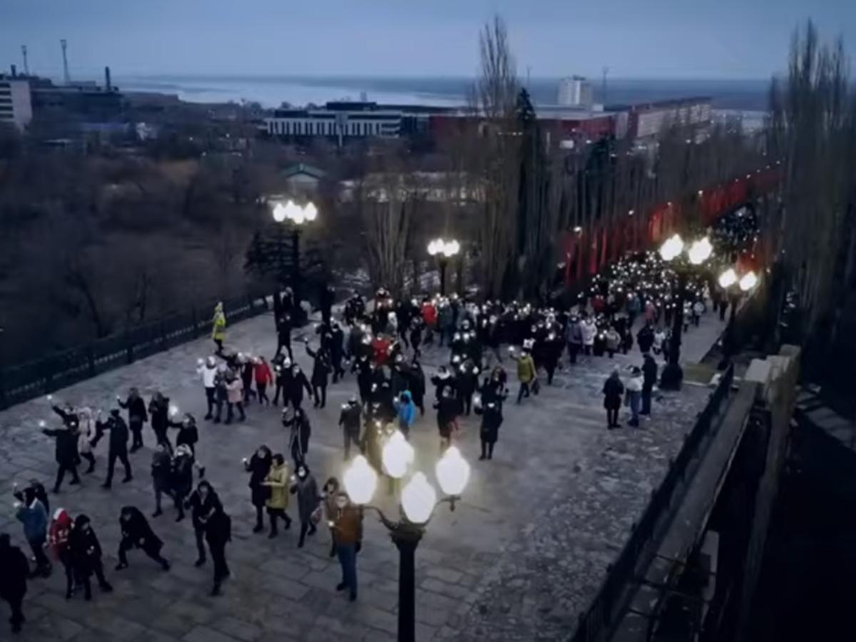 Видео в поддержку Путина на Мамаевом кургане