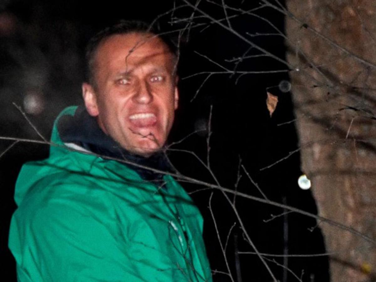 Навального этапировали из СИЗО