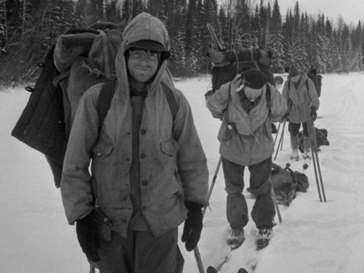"""Группу Дятлова на перевале могла убить """"фотобомба"""": найдены данные в архивах США"""