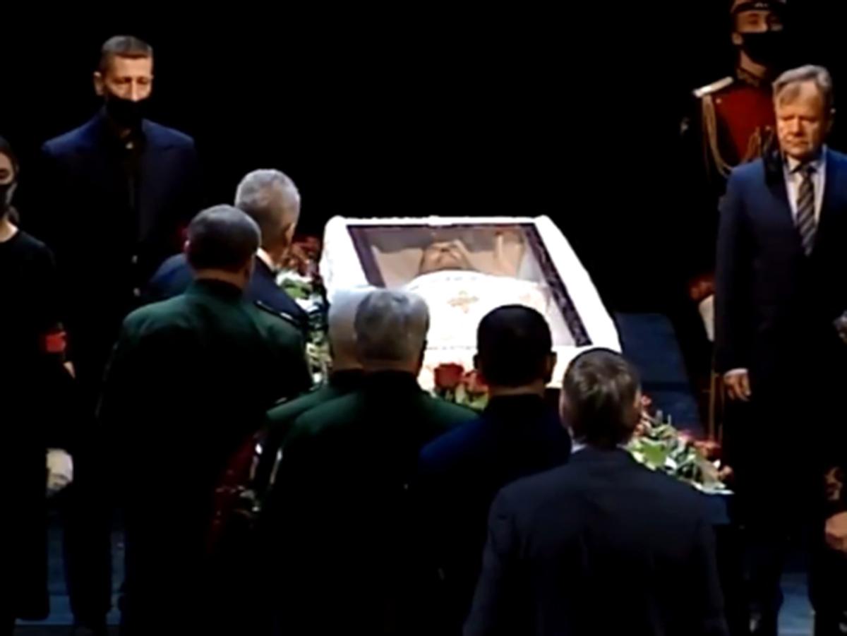 Похороны Ланового