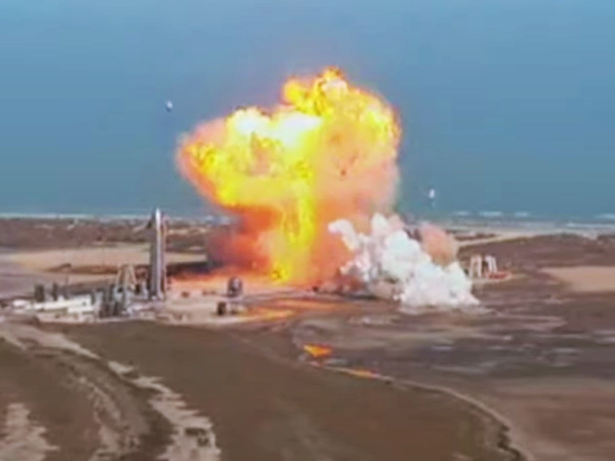 Прототип корабля Starship снова взорвался при посадке