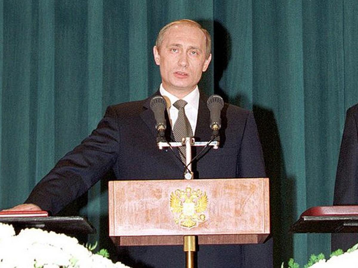Путин в 2000-м году
