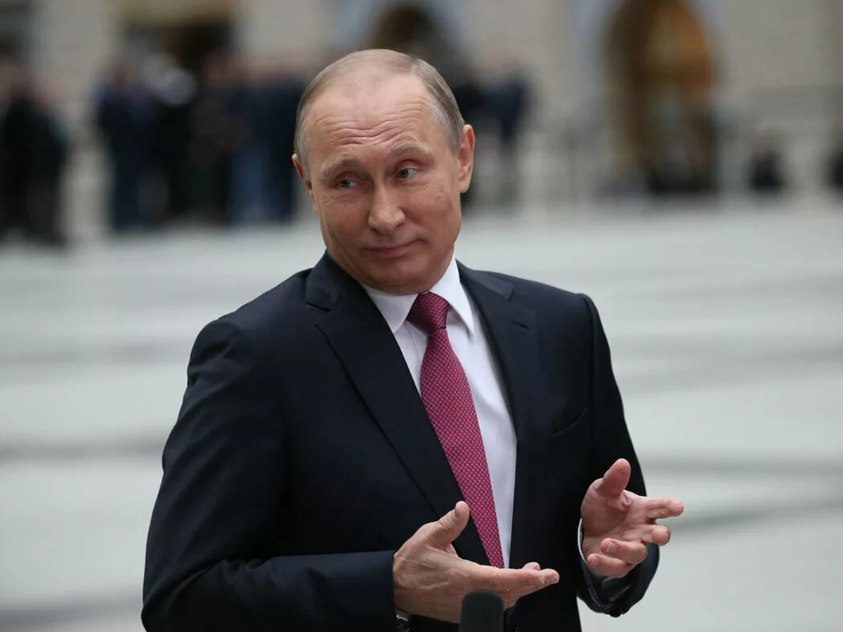 """""""Будет у власти до 36-го года"""": главреда """"НГ"""" поразили поведение и физическая форма Путина на закрытой встрече"""