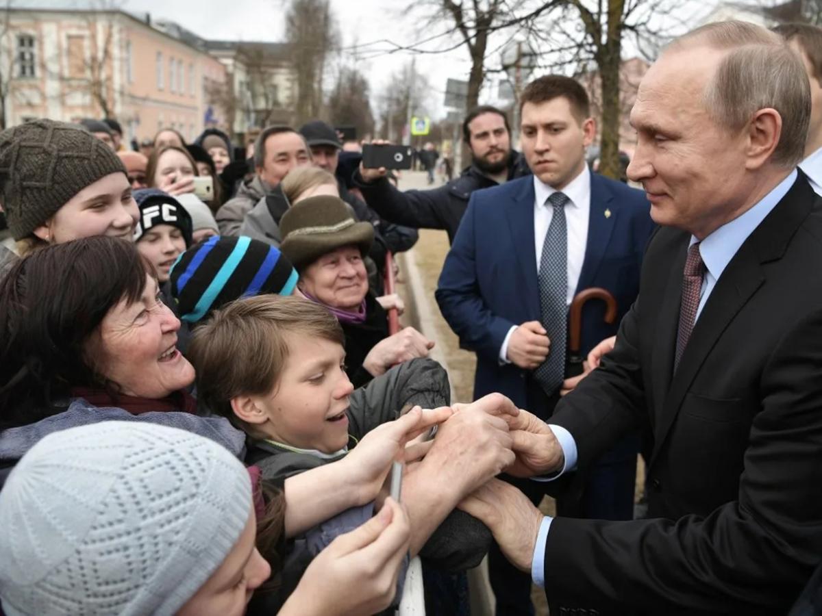 Путин и россияне