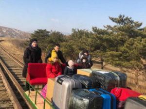 Российские дипломаты покинули КНДР на самодельной дрезине