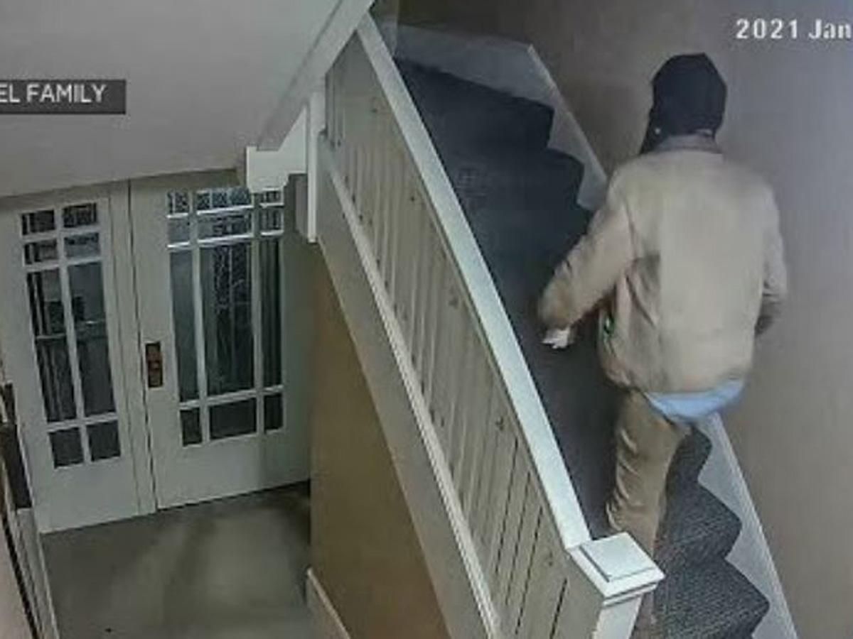 СМИ: мужчина зашел в квартиру и пропал без следа