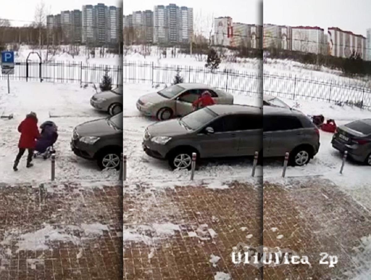В Новосибирске автомобилист наехал на женщину с коляской из-за замечания