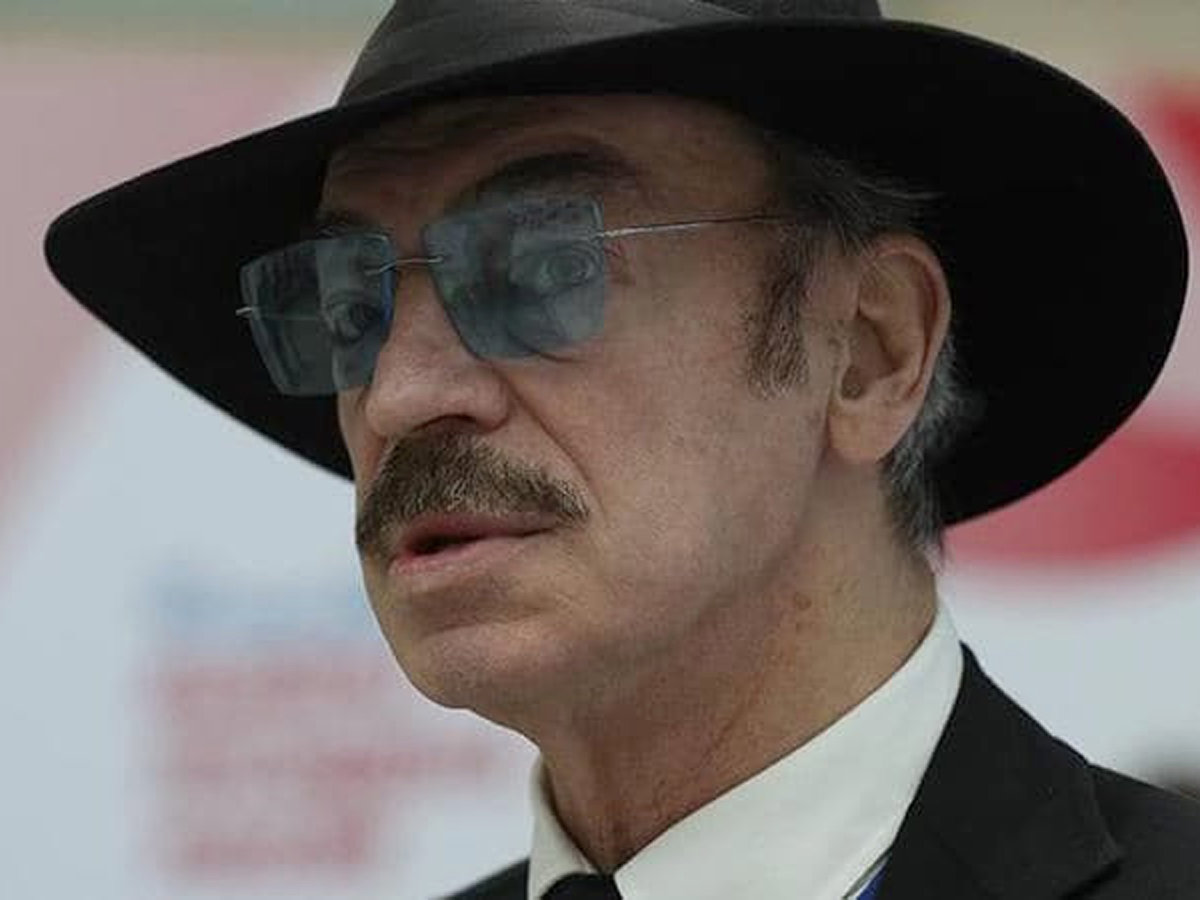 Судебные приставы потеряли Михаила Боярского