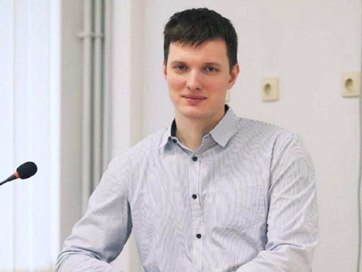 В Ростове к уволенному из-за митингов учителю года пришел ОМОН