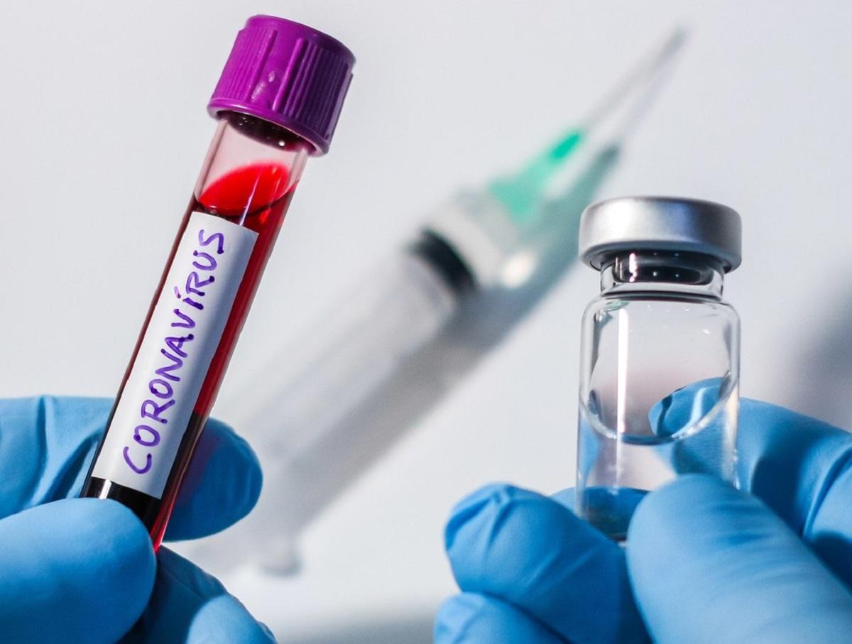 В России зарегистрировали третью вакцину от COVID-19