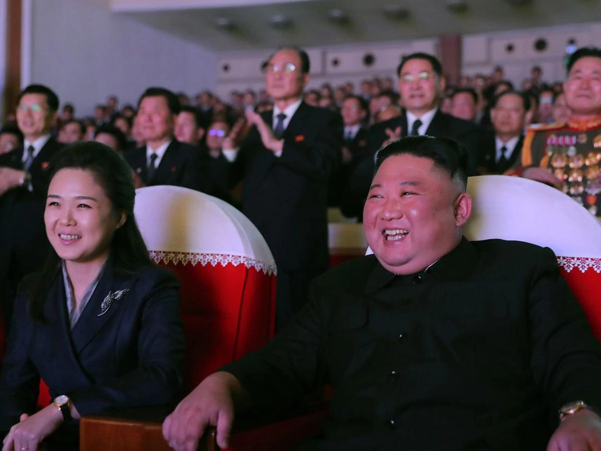 Жена Ким Чен Ына появилась на публике впервые за год