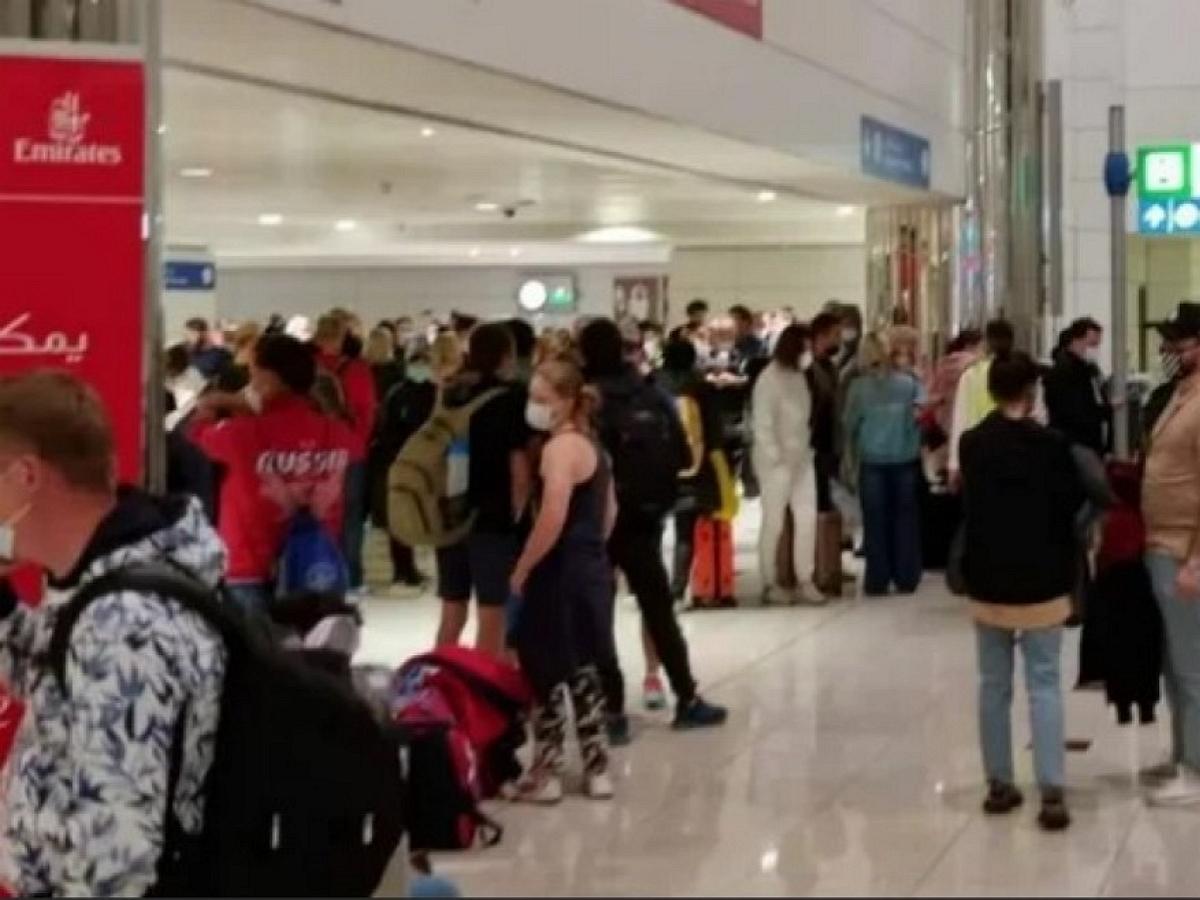 Около 500 россиян застряли в аэропорту Дубая: