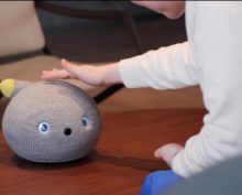 Робот-компаньон от компании Panasonic собрал более 45 тыс. просмотров в YouTube