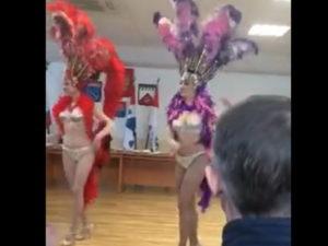 Танцы в бикини в Волховской администрации
