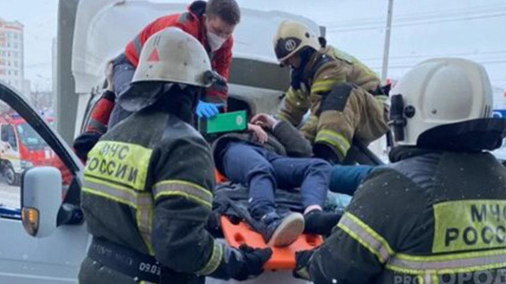 «Девочка разбила сердце»: в Чувашии 11-летний выпал с 25-го этажа и выжил