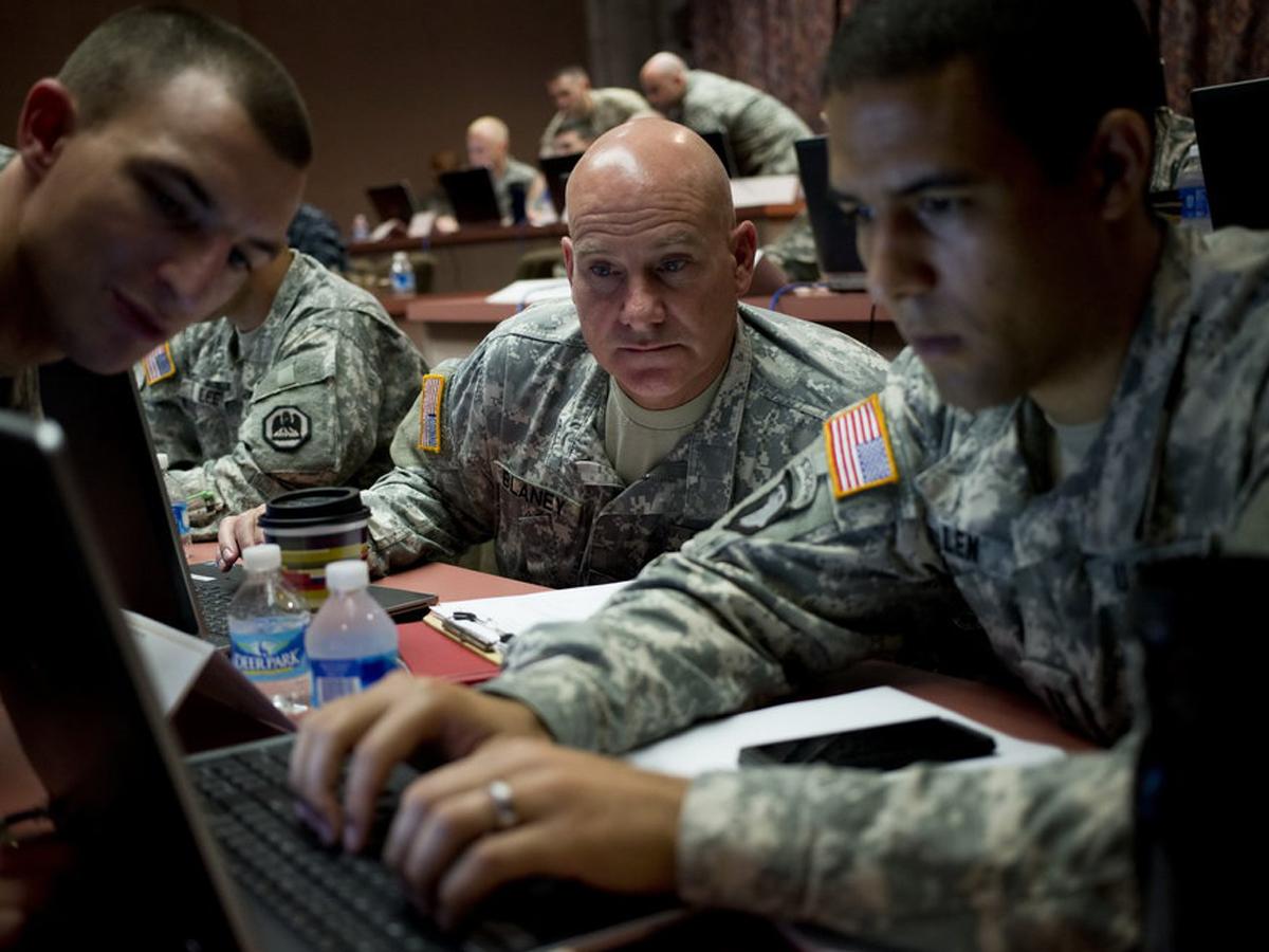 Американец о подготовке кибератак США на РФ