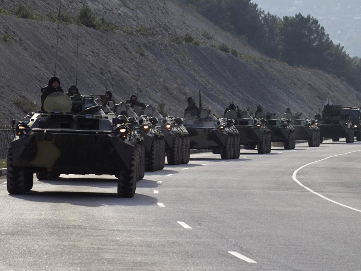 Украинский дипломат заявил, что страну окружила миллионная российская армия