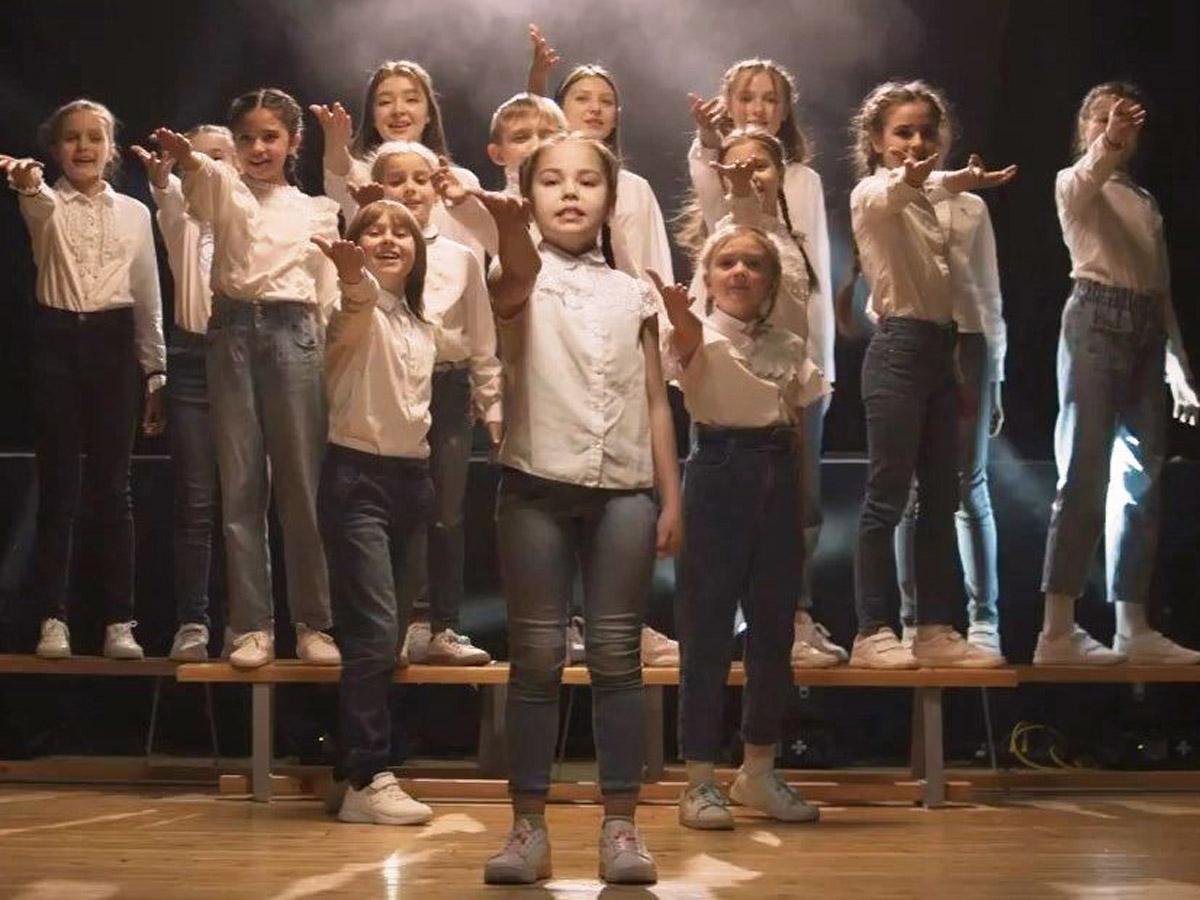 Детский хор спел об успехах главы Татарстана на своём посту