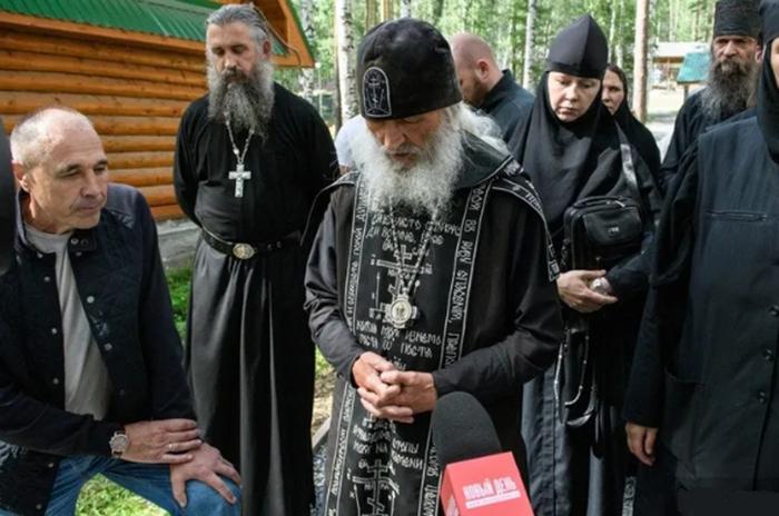 Дмитрий Соколов и отец Сергий