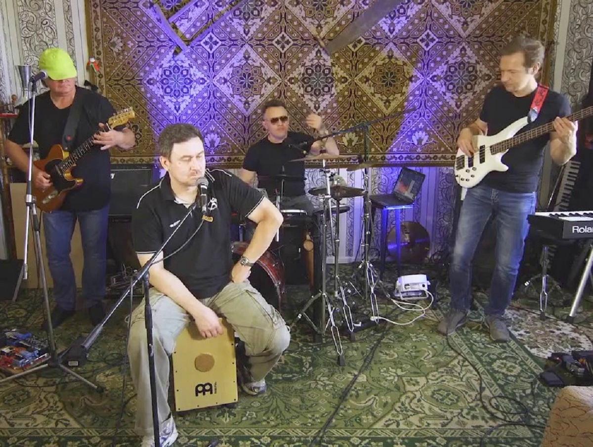 Беларусь отправила на «Евровидение» группу со скандальным хитом «Я научу тебя ходить по струночке»