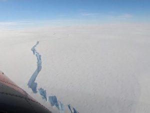 Гигантский айсберг получил имя и собрал около 4 млн просмотров