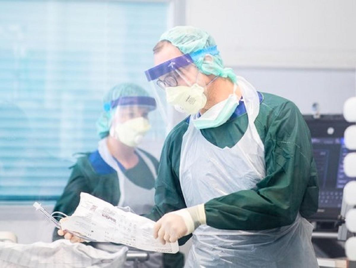 «Третья волна должна быть»: россиян предупредили о новой угрозе коронавируса