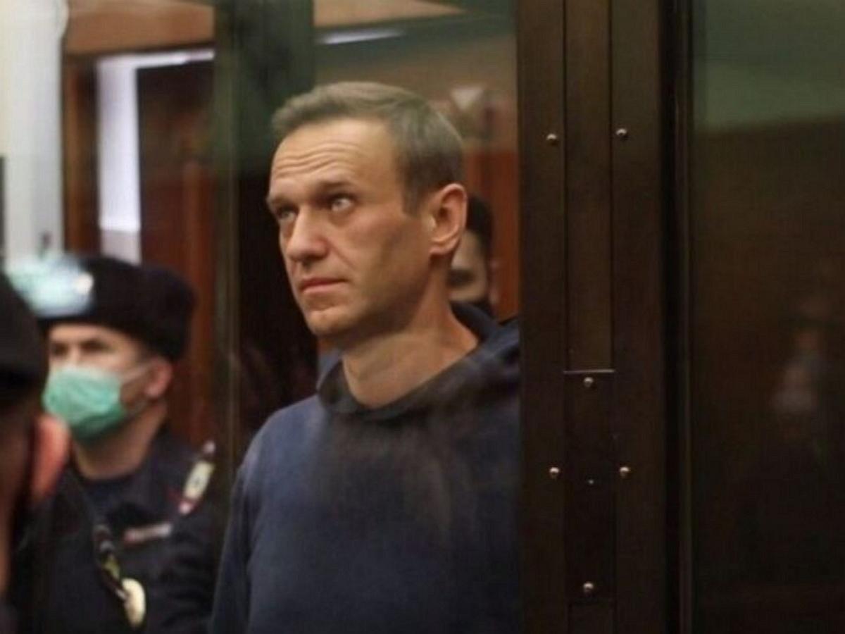 ФБК снял ролик о колонии в Покрове, где отбывает наказание Навальный