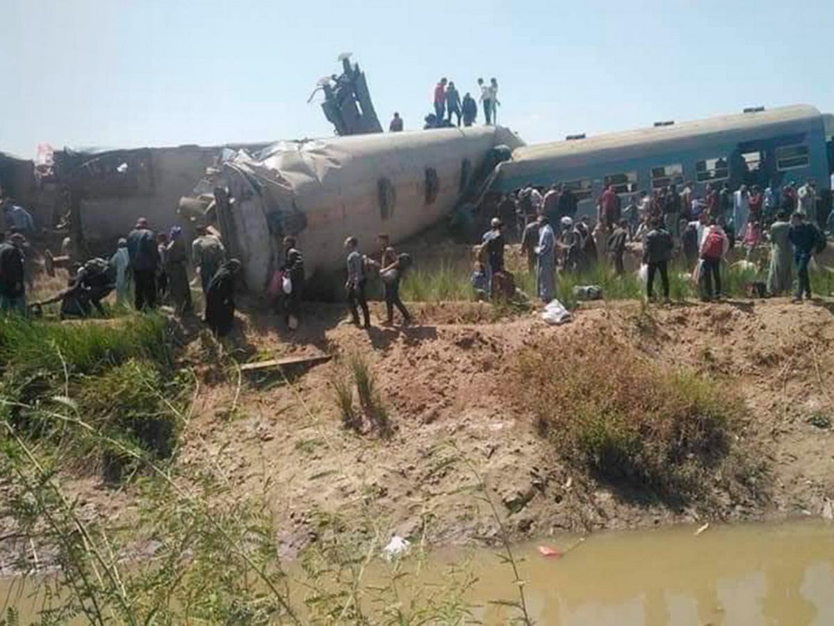 Момент столкновения поездов в Египте попал на видео (ВИДЕО)