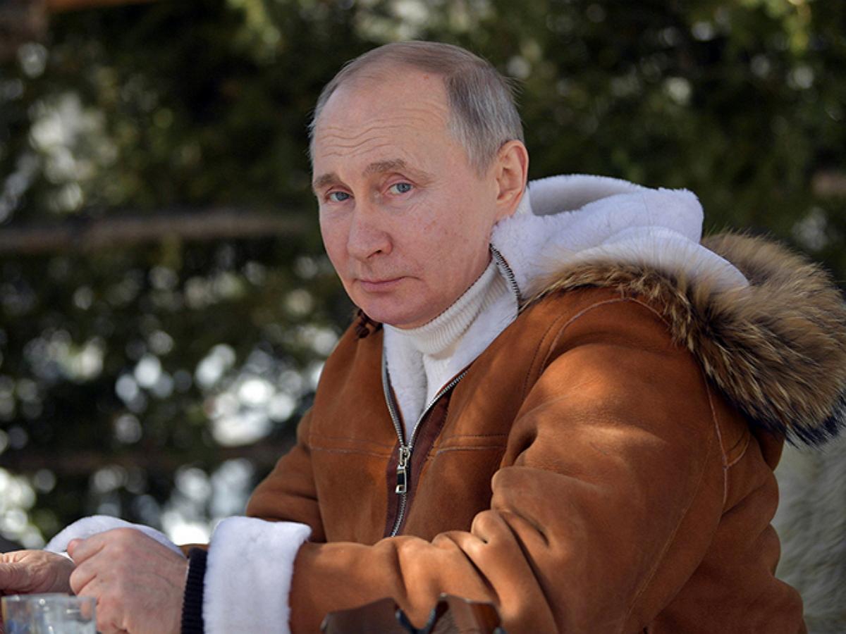 """""""Старая перечница"""": на фото Путина в тайге нашли """"скрытое послание"""" Байдену (ФОТО)"""