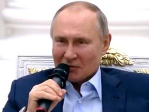 Путин с волонтерами