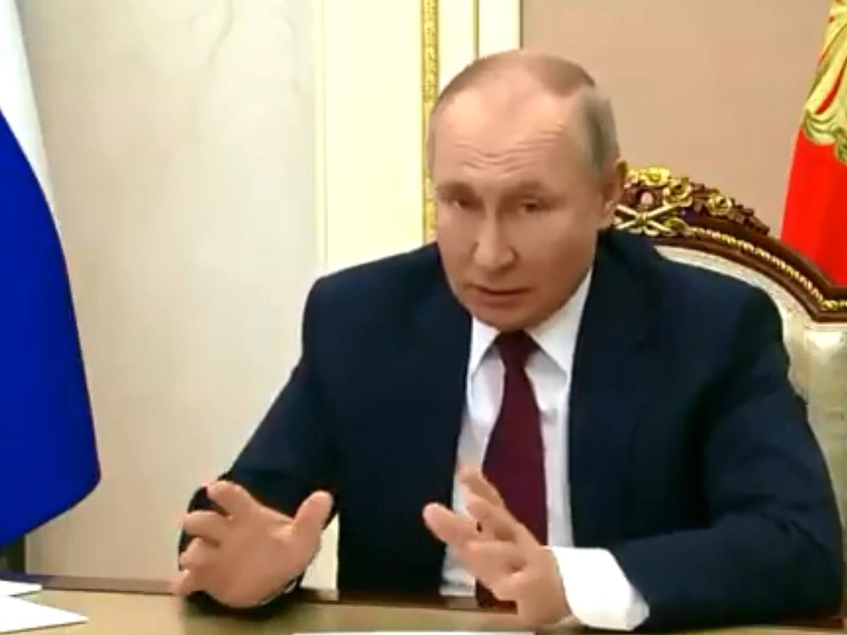 """""""Кто как обзывается, тот так и называется"""": Путин ответил Байдену, назвавшему его убийцей (ВИДЕО)"""