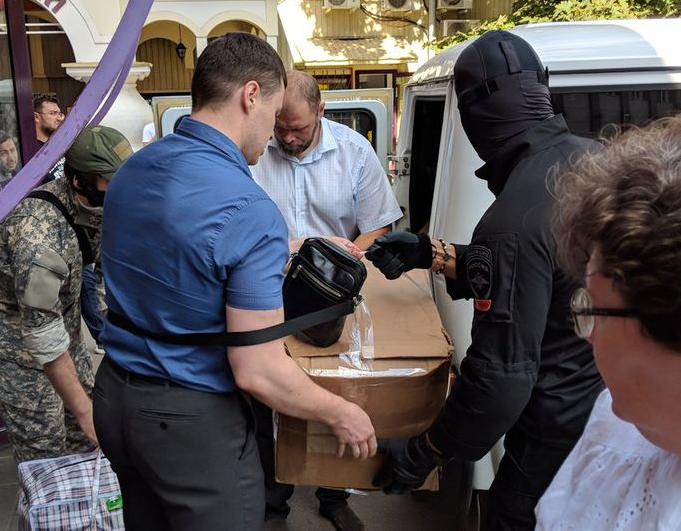 Силовики в офисы движения Ходорковского