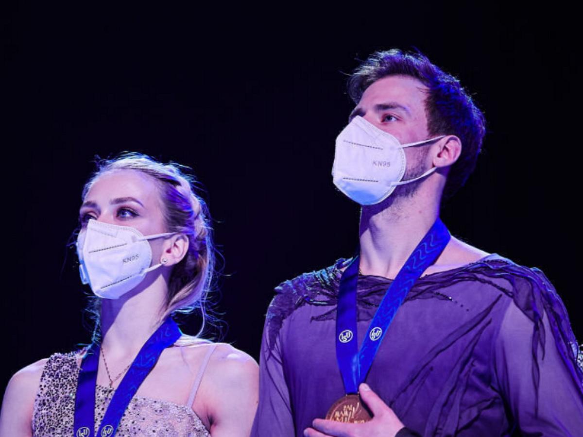 Фигуристы Синицина и Кацалапов завоевали золото ЧМ среди танцевальных дуэтов впервые за 12 лет