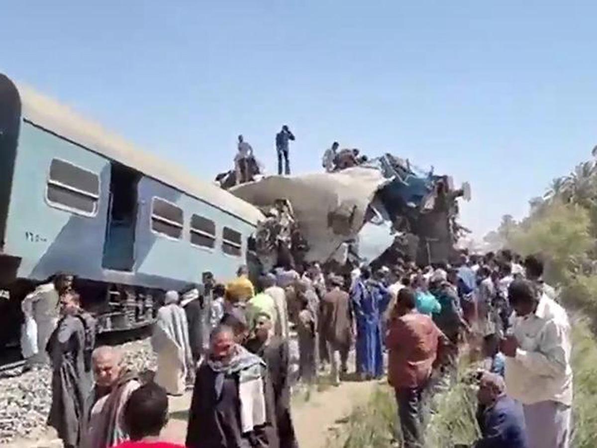 В Египте столкнулись два поезда, более 30 человек погибли