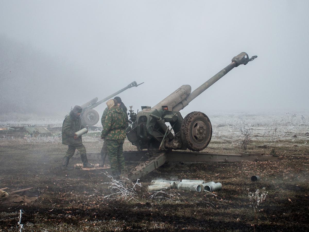 """СМИ: украинские войска остановили наступление в Донбассе, попав в """"котел"""" ополченцев ДНР и ЛНР"""