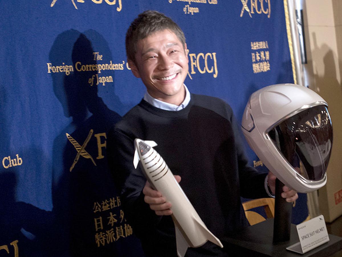 Японский миллиардер выберет 8 человек для полета к Луне на SpaceX