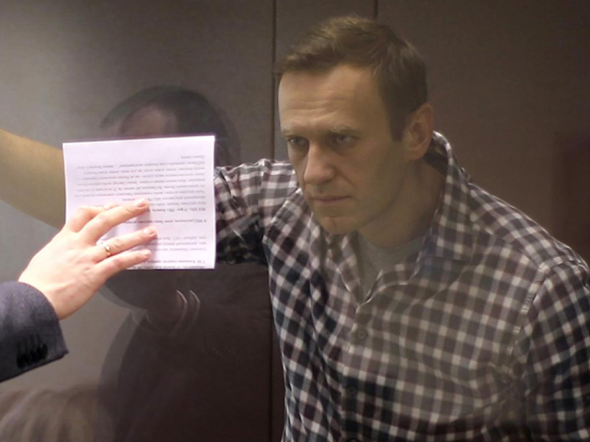 Адвокат о первом выговоре Навального
