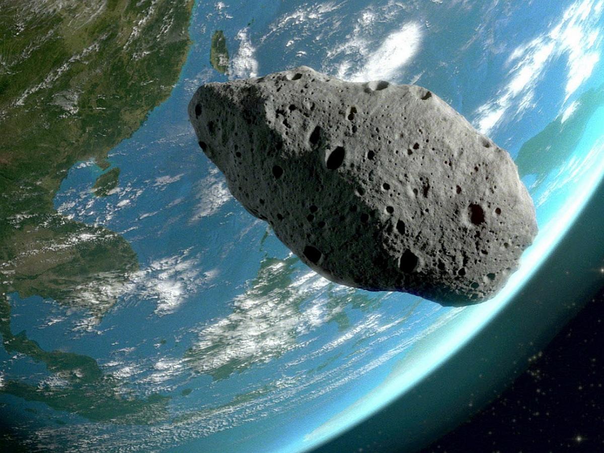 Огромный астероид Апофис приближается к Земле