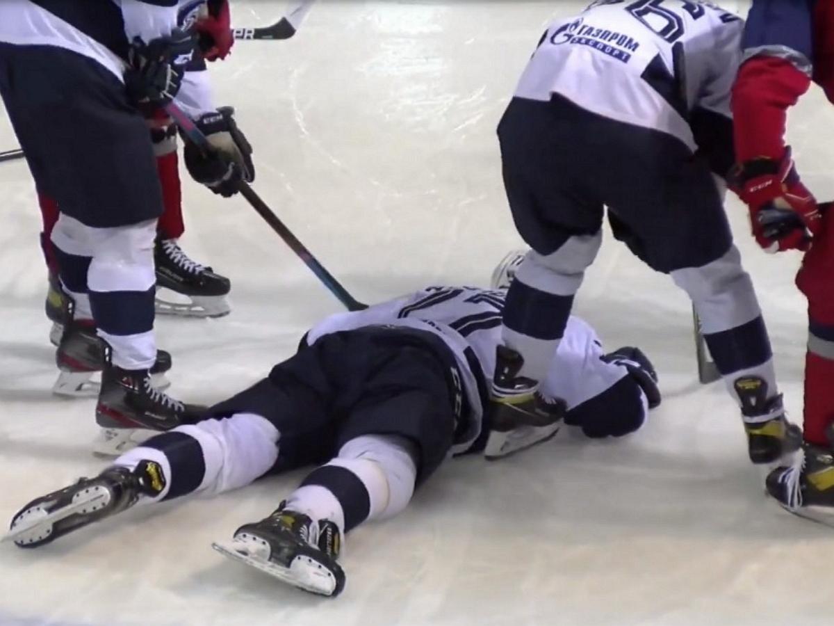 Названа причина смерти хоккеиста Файзутдинова