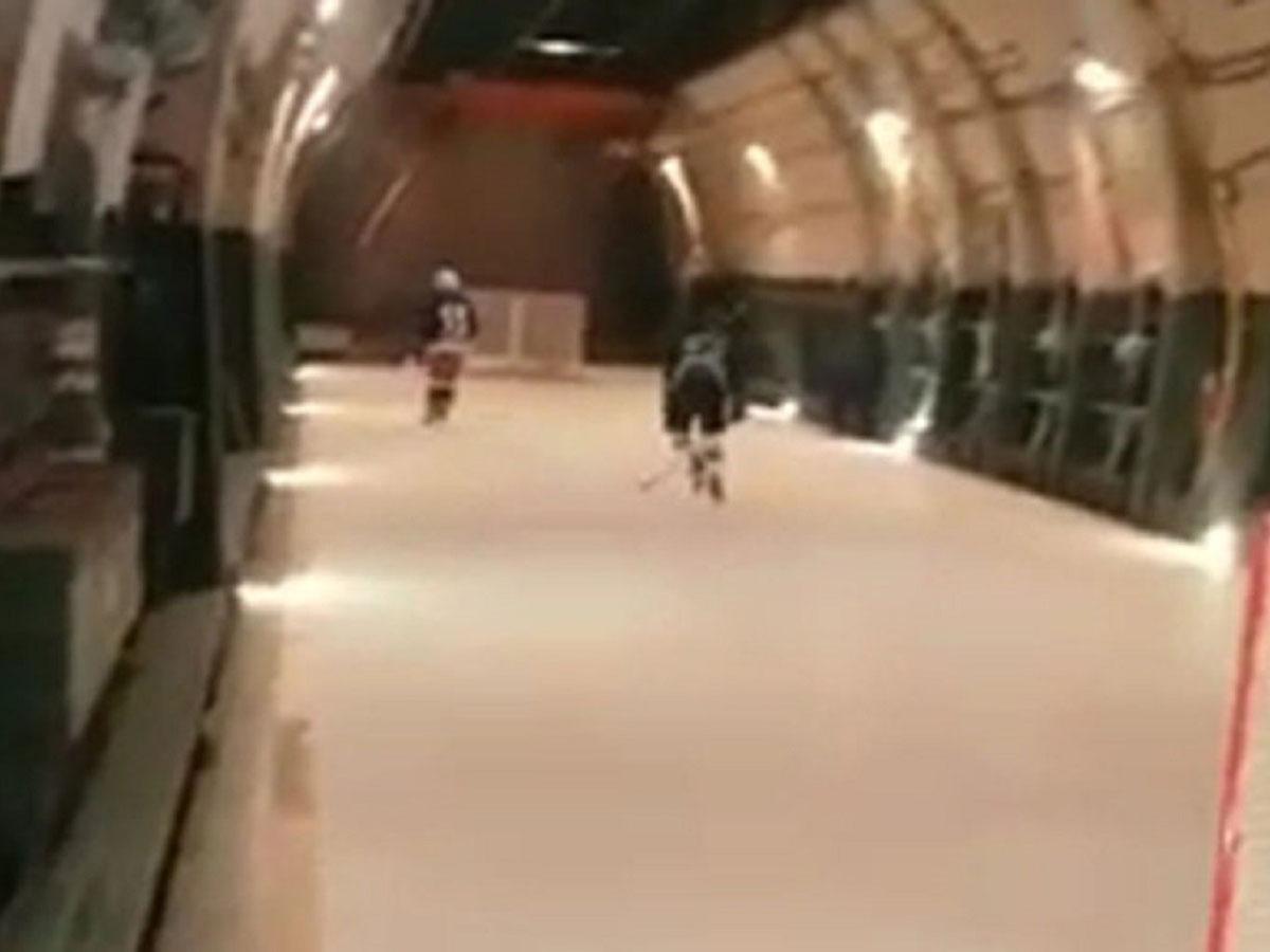 на борту АН-124 хоккейный матч
